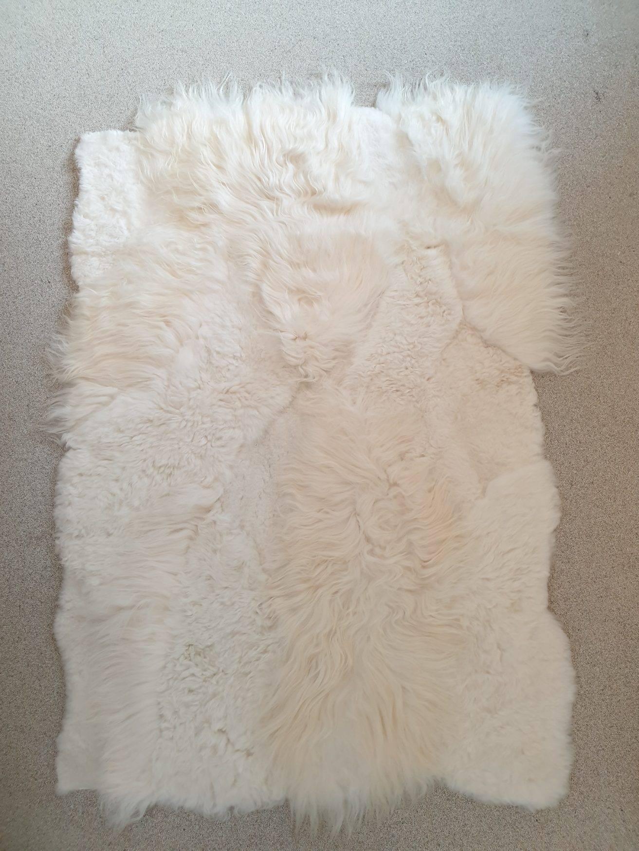 2 schapenvacht patchwork tapijt wit