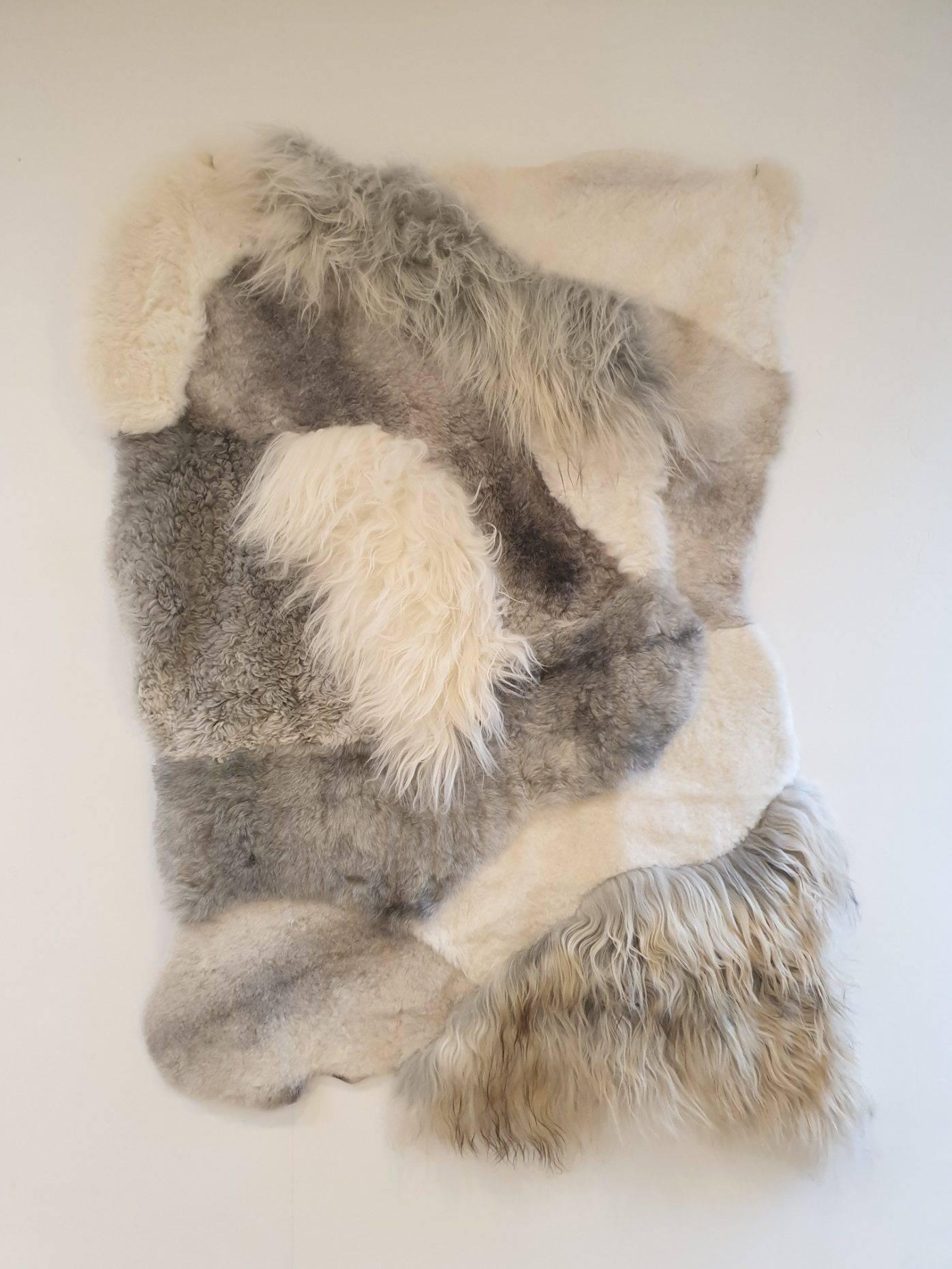 3 schapenvacht patchwork tapijt wit en grijs 2