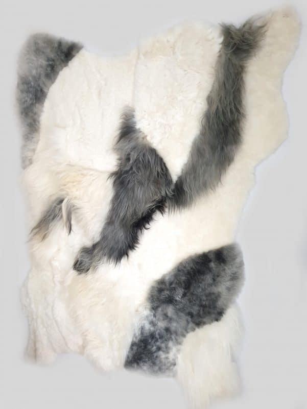11 2 1 - Patchwork schapenvacht tapijt grijs en wit (nr. 11)