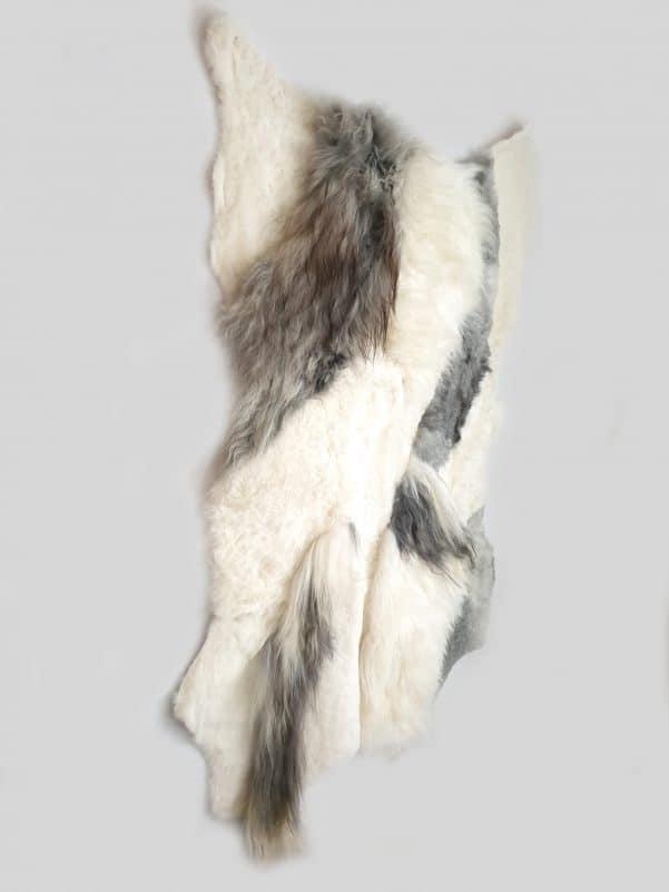 13 3 1 - Patchwork schapenvacht tapijt grijs en wit (nr. 13)