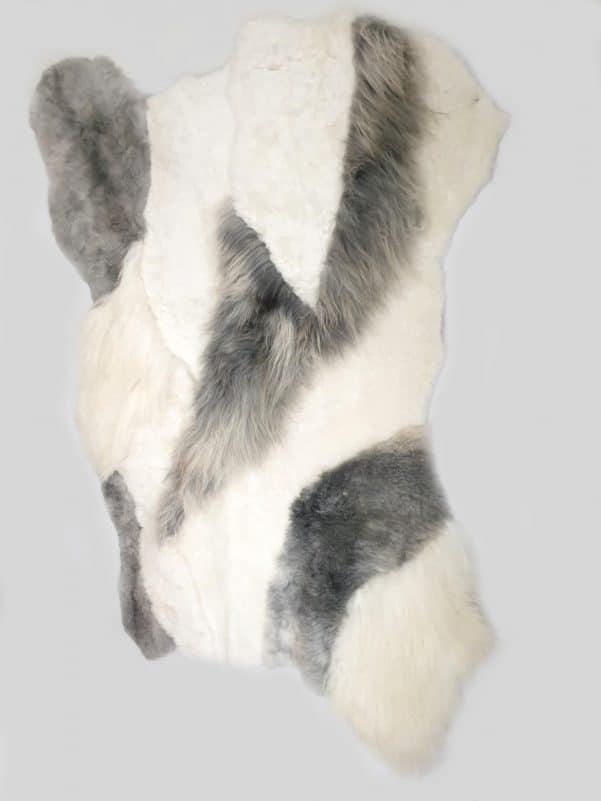 14 2 1 - Patchwork schapenvacht tapijt grijs en wit (nr. 14)