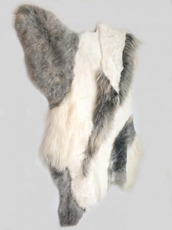 14 3 1 - Patchwork schapenvacht tapijt grijs en wit (nr. 14)