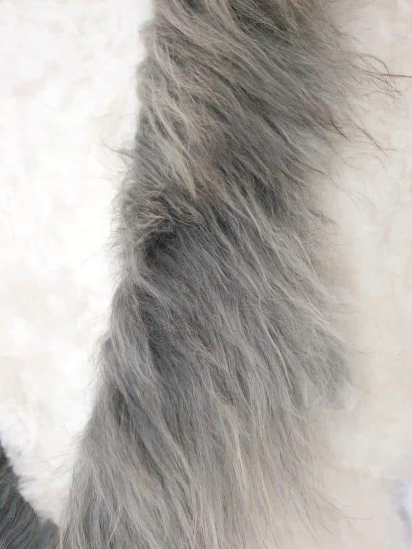 14 6 - Patchwork schapenvacht tapijt grijs en wit (nr. 14)